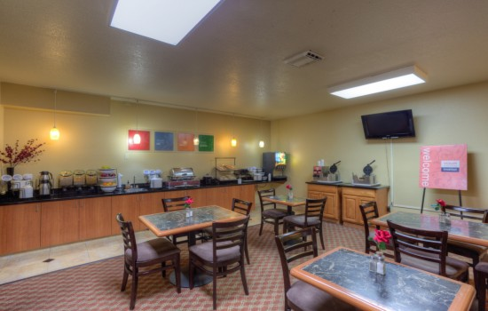 Comfort Inn Newport Oregon - Breakfast Area - Newport Comfort Inn