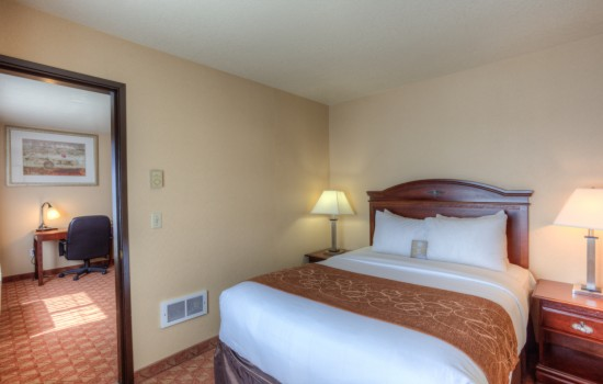 Comfort Inn Newport Oregon - King Family Room - Hotels in Newport Oregon